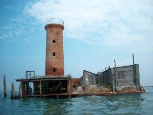 Faro di Spignon faro di spignon - faro spignon 300x226 - Faro di Spignon: da luogo abbandonato a resort