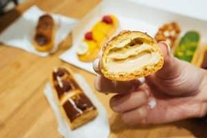 éclair éclair - l eclair de genie paris france le marais patisserie 8 300x200 - Éclair, il dolce francese per palati italiani da gustare in un lampo