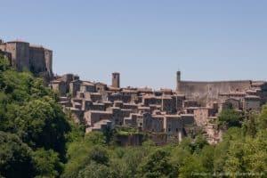Maremma - Comune di Sovana maremma - sovana 300x200 - Weekend in Maremma: i posti da visitare, le cose da fare