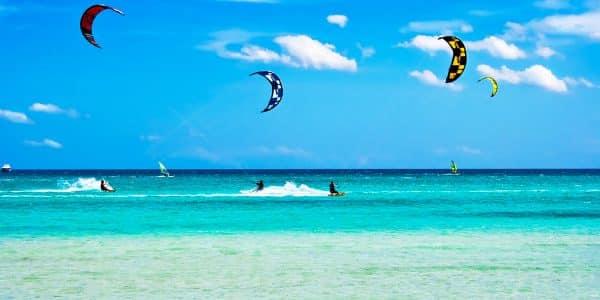 zanzibar - 5857b0a17e4f29f1046c4b5f Facilities kite surfing at the z hotel in zanzibar 600x300 - Zanzibar: le 6 cose più belle da fare sull'isola