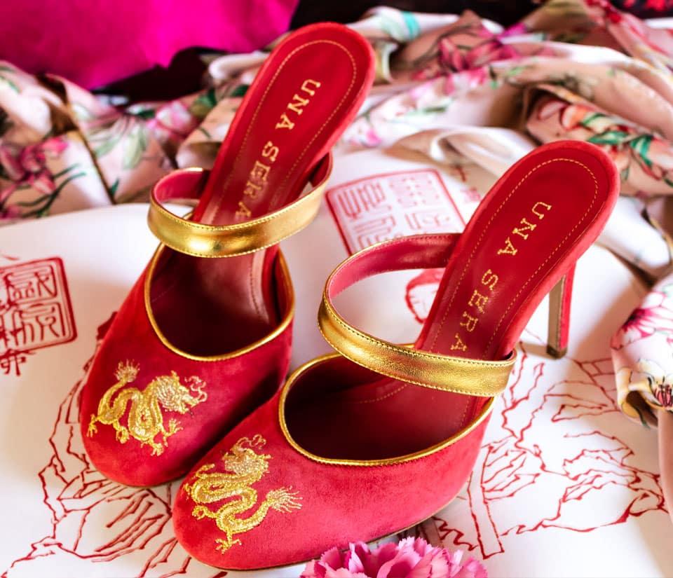 """una sera - una sera fiamma ambientata burgundy - Una Sera: le """"Boudoir Shoes"""" emblema di artigianalità e femminilità"""