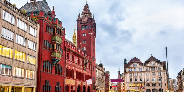 basilea - basilea piazza 600x300 - Basilea: metropoli in miniatura e capitale culturale della Svizzera