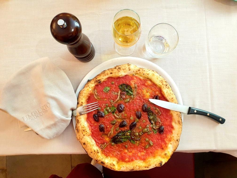 Napoli - Pizza Marinara di Umberto pompei - 20200629 192910 - Pompei come non l'avete mai vista