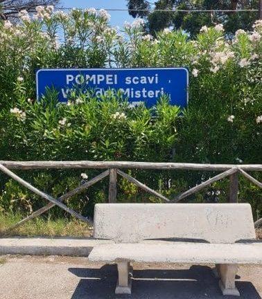 Pompei - Fermata Villa dei Misteri pompei - fermata rotated e1593536808327 - Pompei come non l'avete mai vista