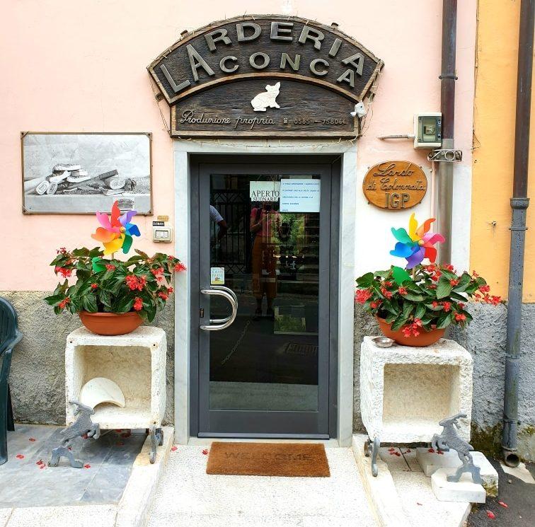 Carrara - Larderia La Conca carrara - 20200721 131330 e1595345901176 - Carrara: viaggio nella storia millenaria del marmo